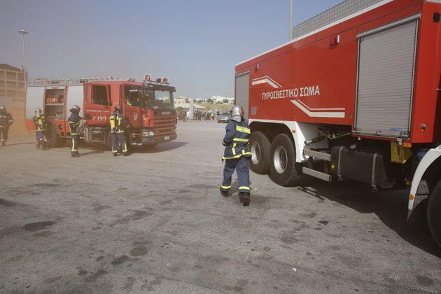 Πυρκαγιά στο Σούνιο. Δεν υπάρχει κίνδυνος για