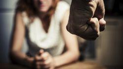 Frau steckt in gewalttätiger Beziehung – ein Besuch beim Tierarzt rettet ihr das Leben