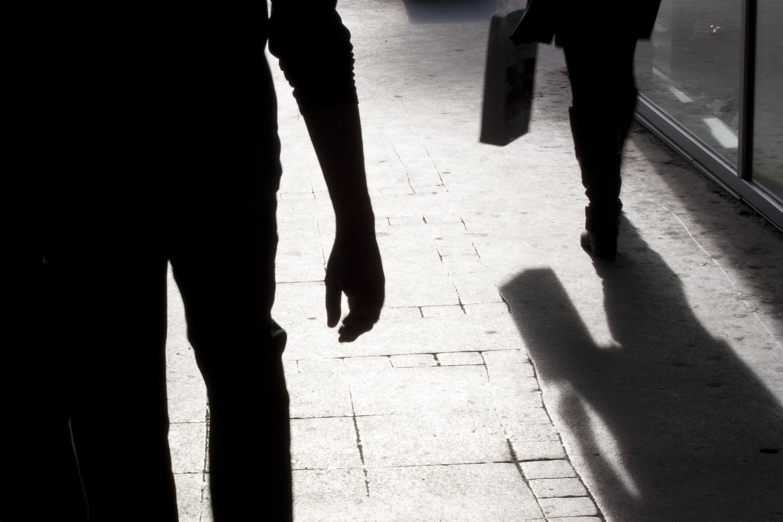 Nachdem Frauen eine Vergewaltigung zur Anzeige bringen, werden sie oft nochmals traumatisiert.
