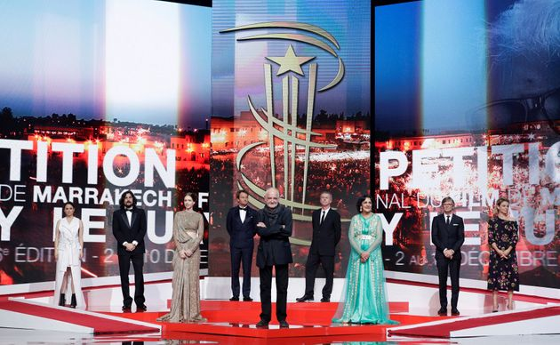 Les membres du jury arrivent sur scène lors de la cérémonie d'ouverture de la 16e...