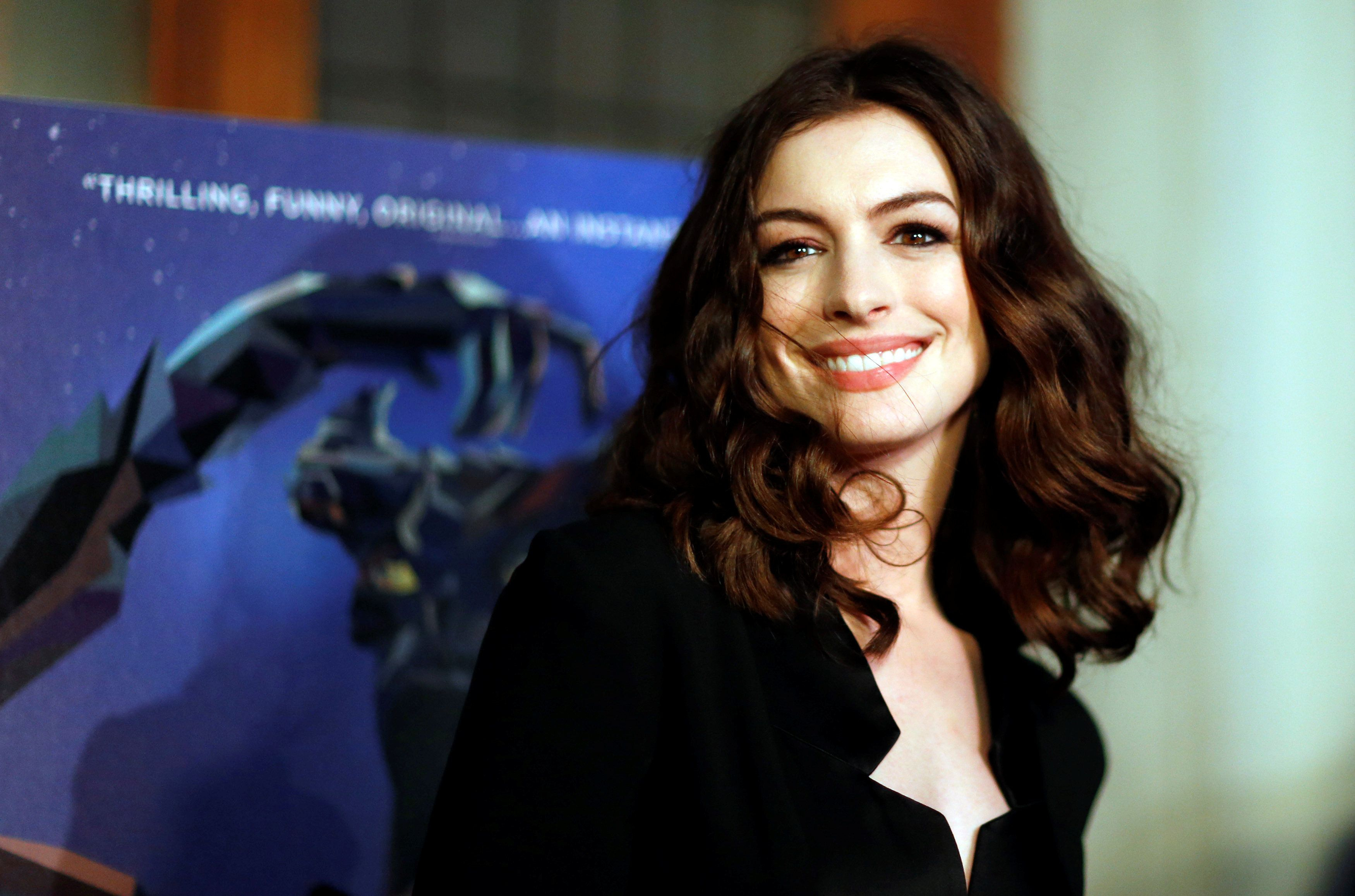 Anne Hathaway poses at the premiere of the film