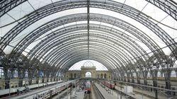 Dresden: Mann rennt nackt am Bahnhof herum und macht eine düstere