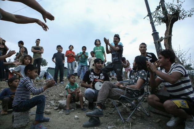 Εγκαταλείπουν τη Μόρια οι Κούρδοι. «Όχι» και για το Καρά Τεπέ. Δεν θέλουν κοινή στέγαση με