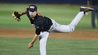 TUCSON, AZ - APRIL 07: Oregon State Beavers pitcher Luke Heimlich (15) pitches during a college baseball game between Oregon State Beavers and the Arizona Wildcats on April 07, 2018, at Hi Corbett Field in Tucson, AZ. (Photo by Jacob Snow/Icon Sportswire via Getty Images)