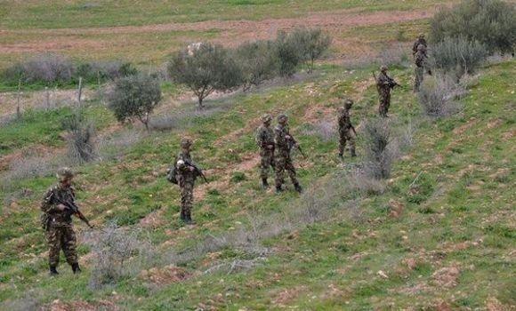 Un terroriste armé tué à Ain Defla, reddition d'un autre à
