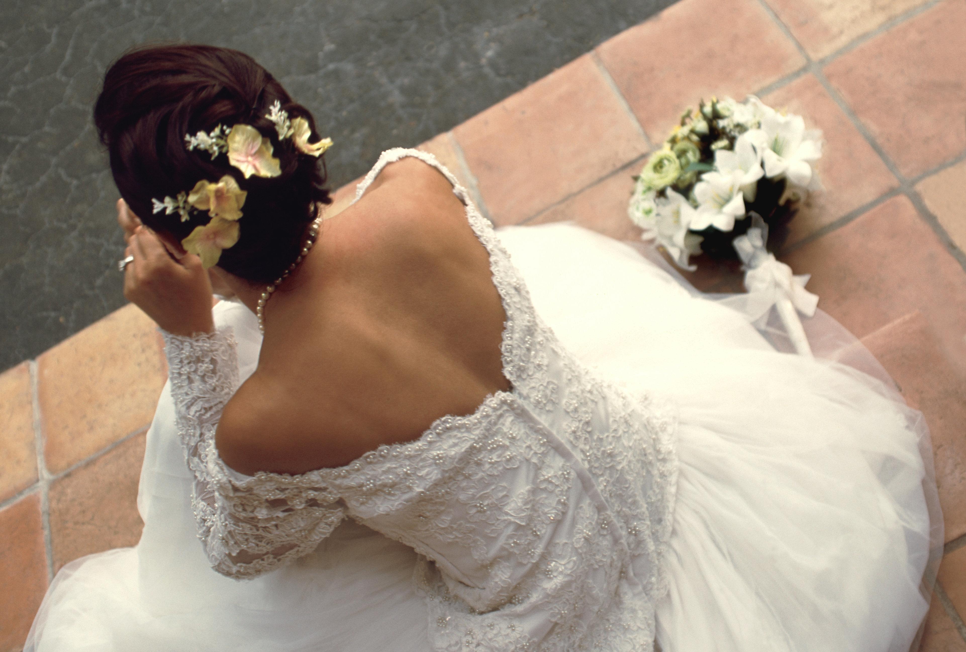 Hochzeit: Braut verbannt Paar mit Kinder von Feier und bekommt Lob