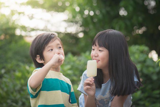 세이브더칠드런의 조사에 따르면 한국은 '어린 시절 보장' 국가