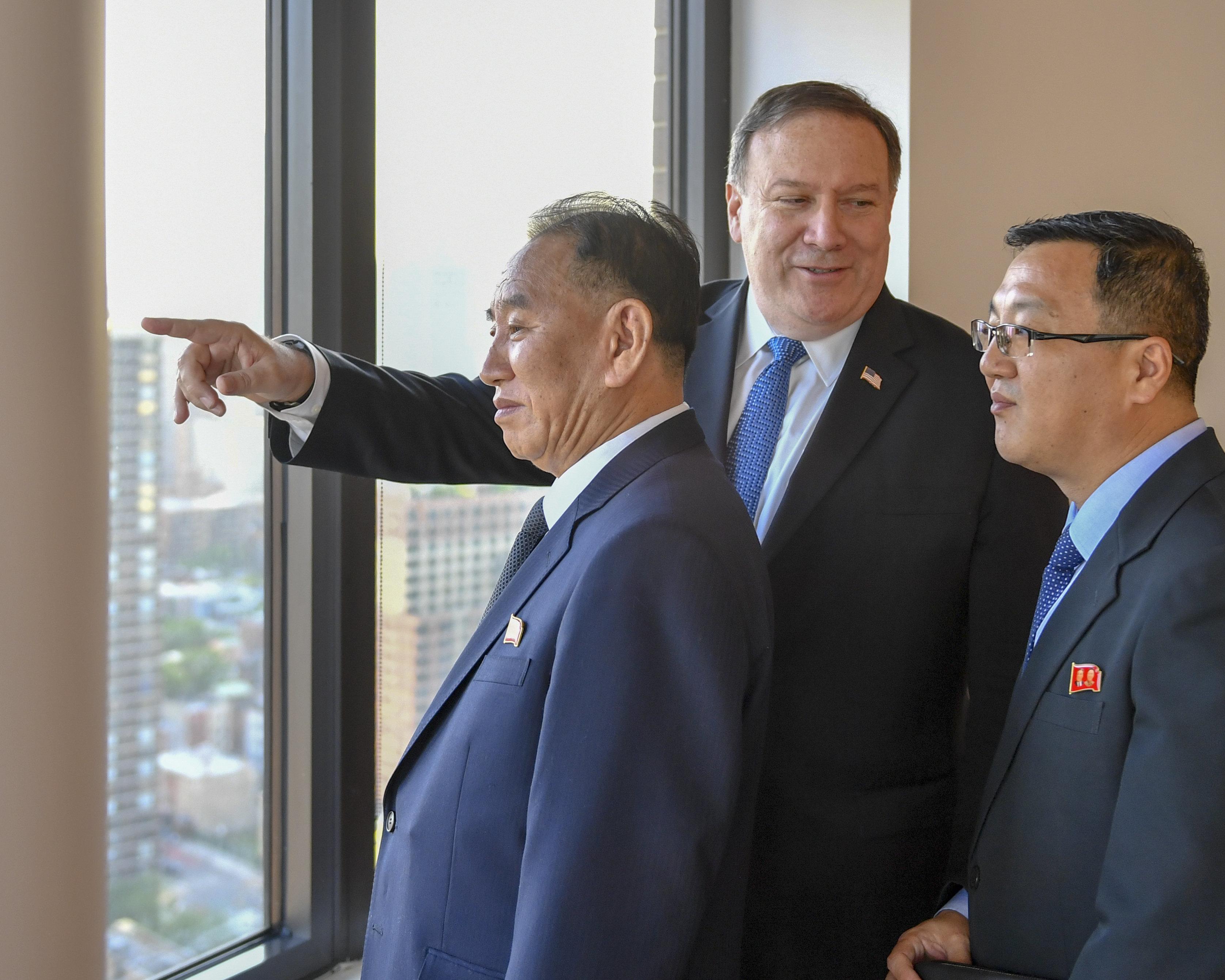 미국 국무부가 설명한 이 사진의 의미 : '북한에게는 밝은 미래가 있다'