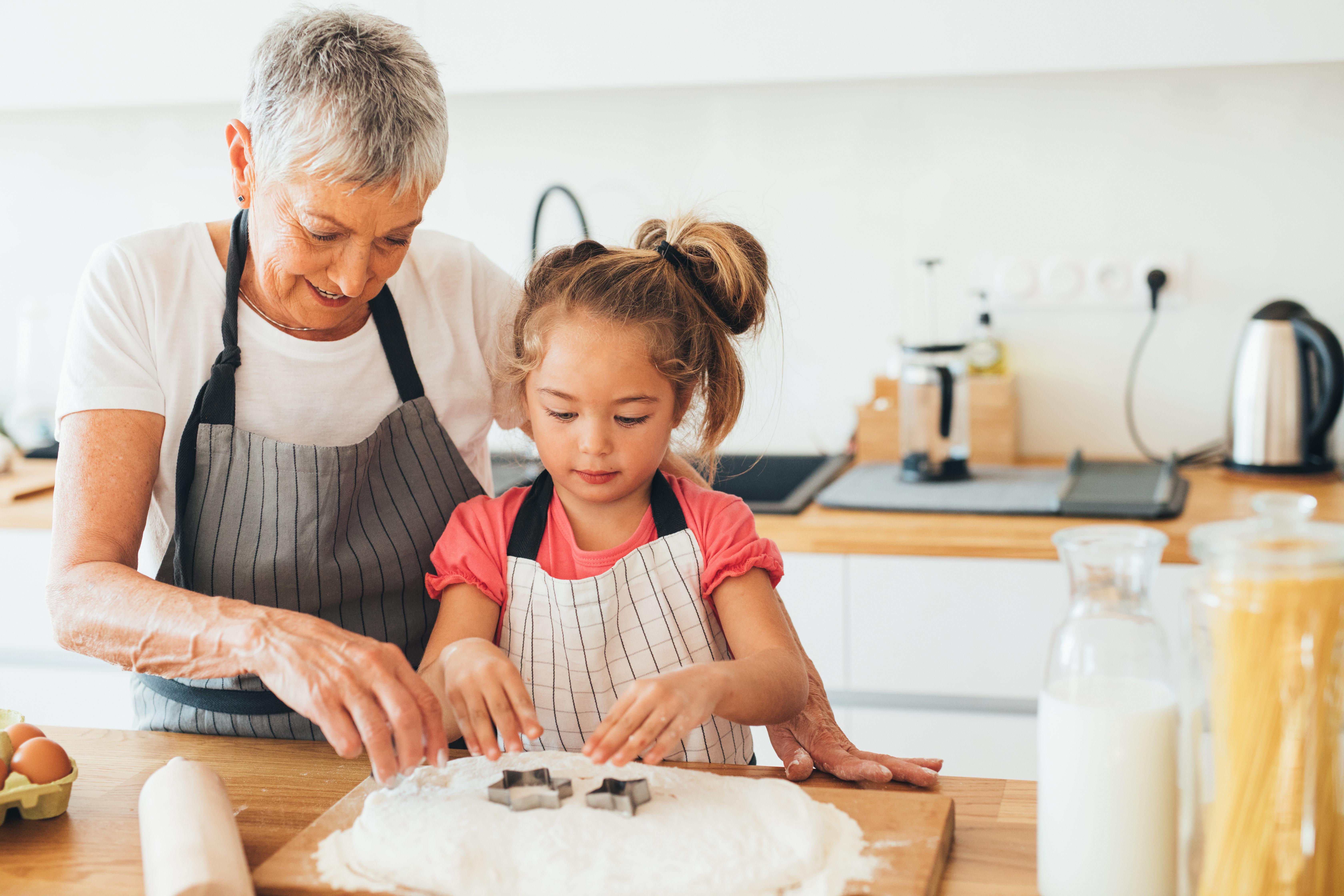 Δικαίωμα και των παππούδων να βλέπουν τα εγγόνια μετά το διαζύγιο των γονιών, αποφάνθηκε το Ευρωπαϊκό