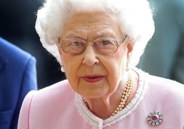Αυτή είναι η γλυκιά κίνηση της βασίλισσας Ελισάβετ που δείχνει την αγάπη της προς τη Meghan