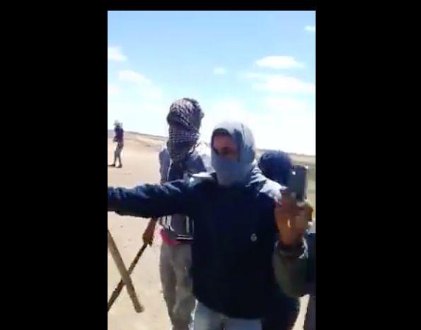 La vidéo d'une agression d'un homme et une femme par des jeunes cagoulés choque la