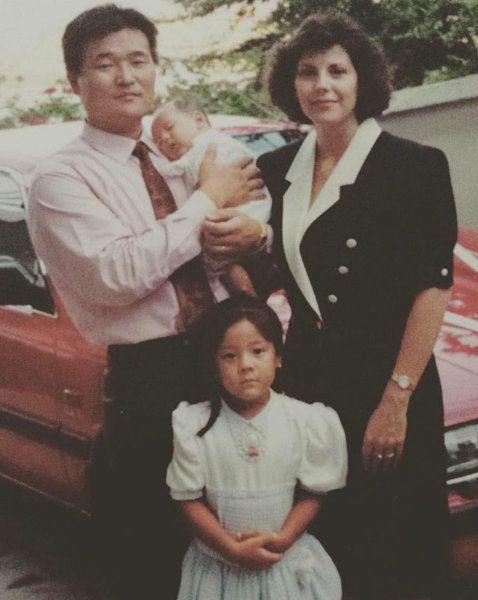 아기 때의 장민과 어머니, 아버지 그리고