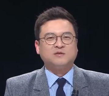 사무장 4년만에 변호사가 된 이 전직 판사의 첫 사건은 '혜경궁김씨'