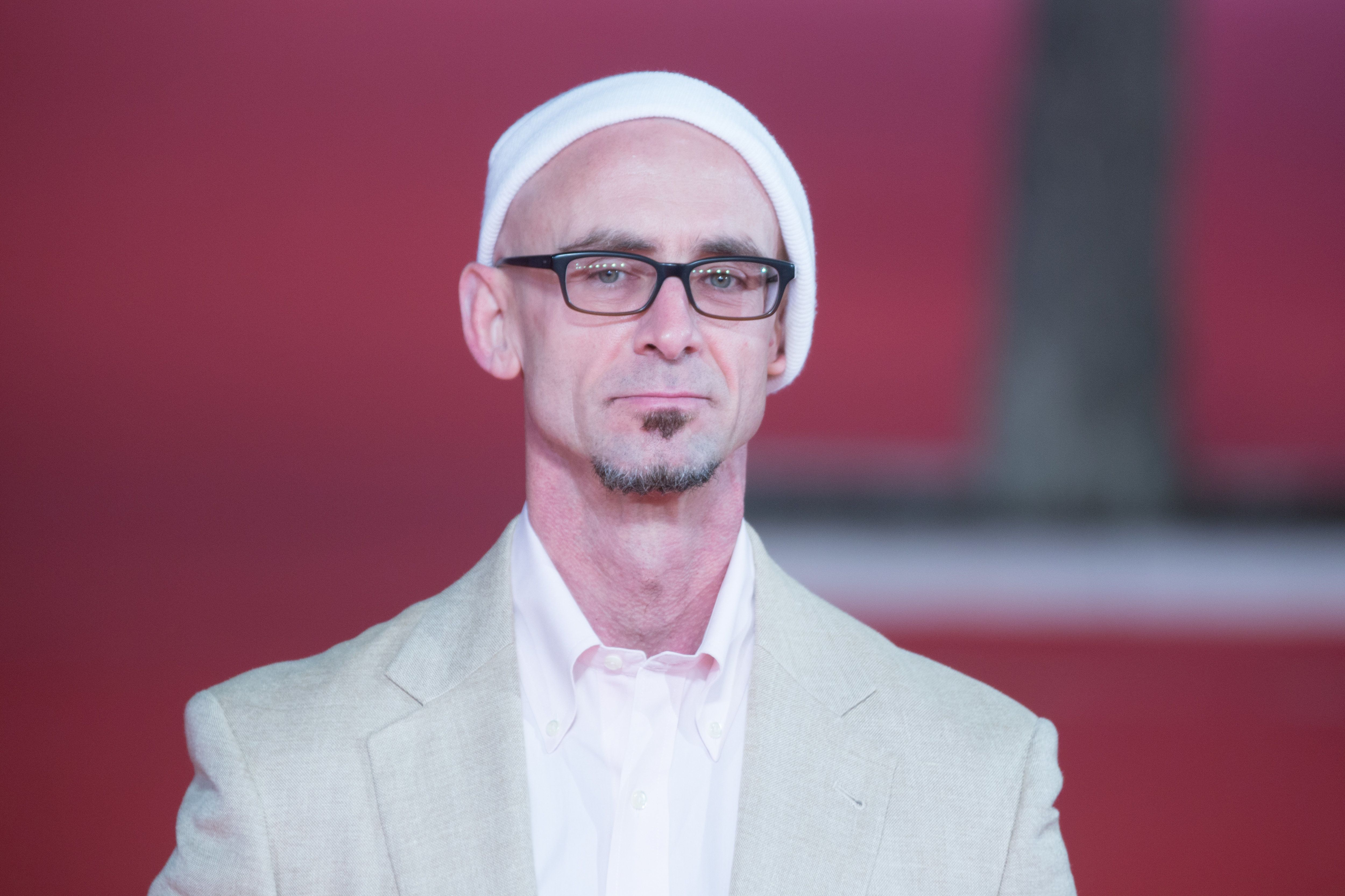 <i>Fight Club</i> author Chuck Palahniuk has become the victim of a multi-million dollar embezzlement scheme.