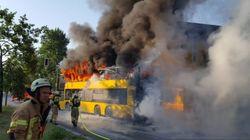 Wilder erster Tag für Berliner Busfahrer: Erst brennt sein Fahrzeug, am Ende feiern ihn