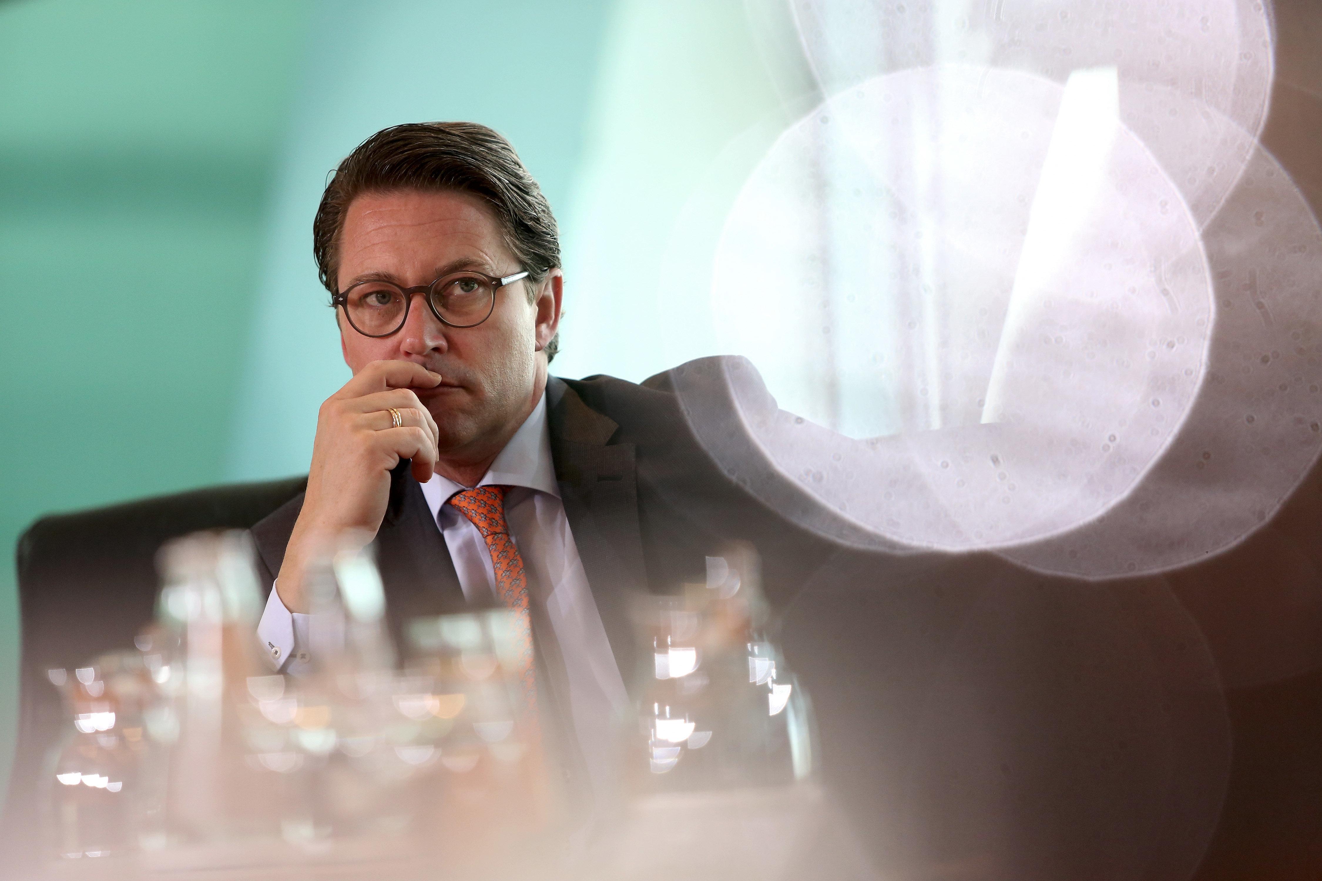 Bericht: Scheuer droht Daimler mit Bußgeldern - Wirtschaft