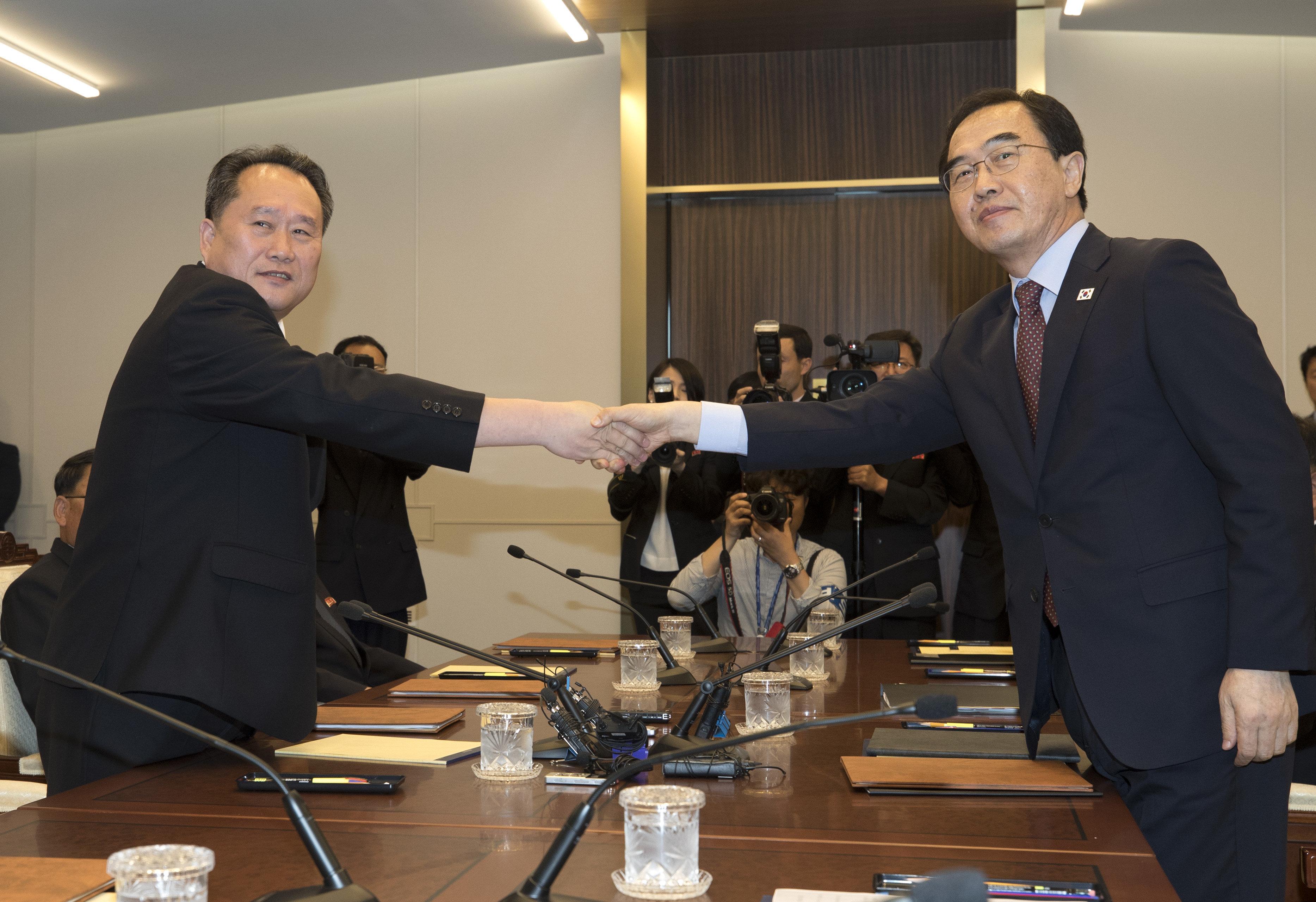 남북, 6월에 군사·체육·이산상봉 회담