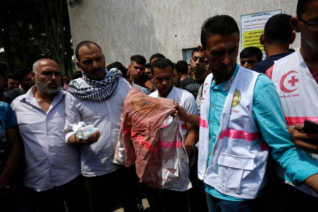 Des milliers de personnes aux funérailles d'une secouriste tuée par un tir israélien à
