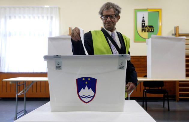 Στις κάλπες σήμερα οι Σλοβένοι. Φαβορί ο Γιάνεζ Γιάνσα με το δεξιό Σλοβένικο Δημοκρατικό