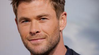 """Actor Chris Hemsworth attends the world premiere of """"12 Strong"""" in Manhattan, New York City, U.S. January 16, 2018. REUTERS/Andrew Kelly"""