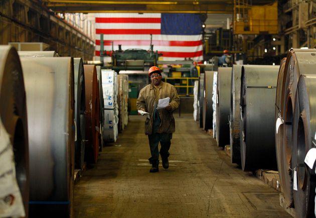 Ο στενότερος οικονομικός σύμβουλος φοβάται τον εμπορικό πόλεμο που άνοιξε ο