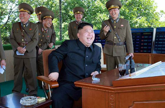 김정은이 싱가포르 출국 앞서 북한군 수뇌부 3인방을 싹 갈아치운
