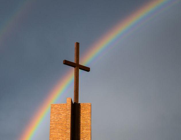 크리스천이 성소수자 인권의 달을 축하해야 하는 이유(와