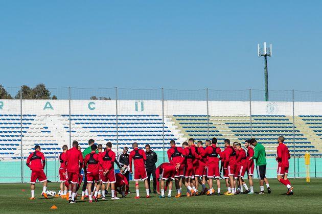 Le coach Hervé Renard et lesLions de l'Atlas lors d'une session d'entraînement avant...