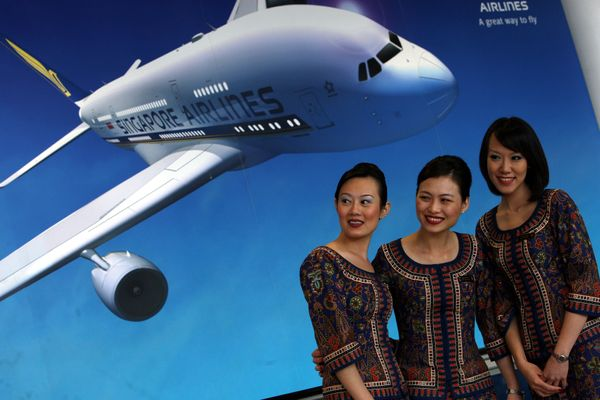 Singapore Airlines stewardesses in 2008.