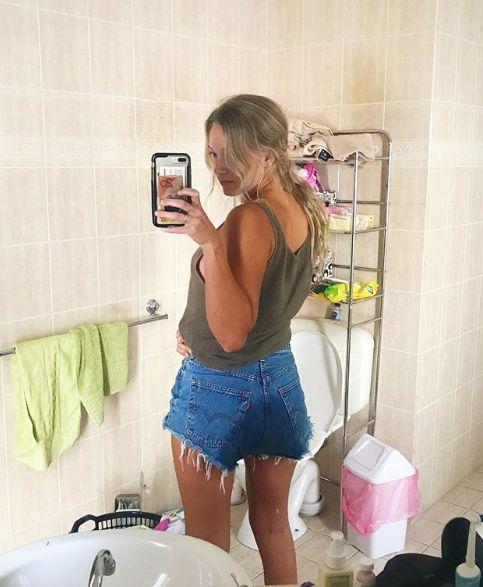 Frau teilt Selfie, nachdem sie sich in die Hose gemacht hat –dahinter steckt eine wichtige