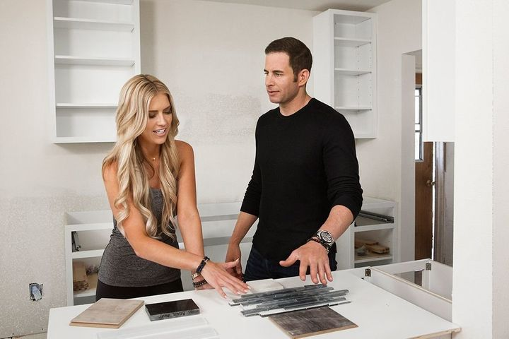 House-flippers turned exes Christina and Tarek El Moussa return to HGTV's Flip or Flop for Season 8.