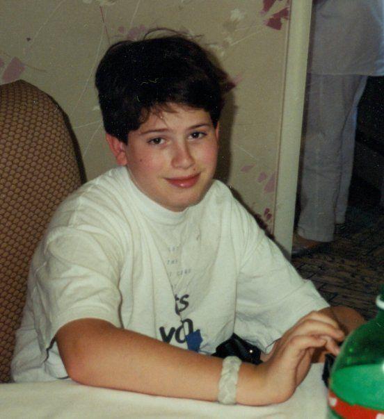 Sheldon en 2000. Siempre fue un chico grande con mucho apetito, pero a partir de los 20 años empezó a...