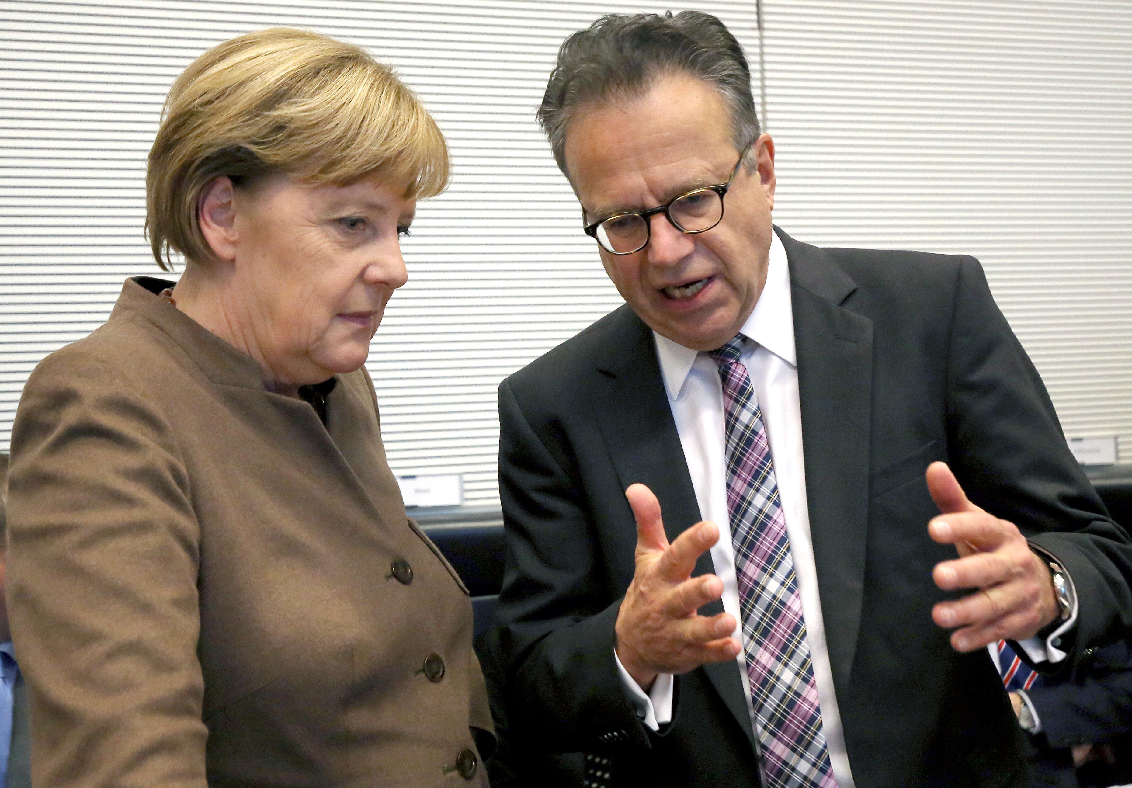 Ex-Bamf-Chef Weise nimmt Merkel im Bamf-Skandal in