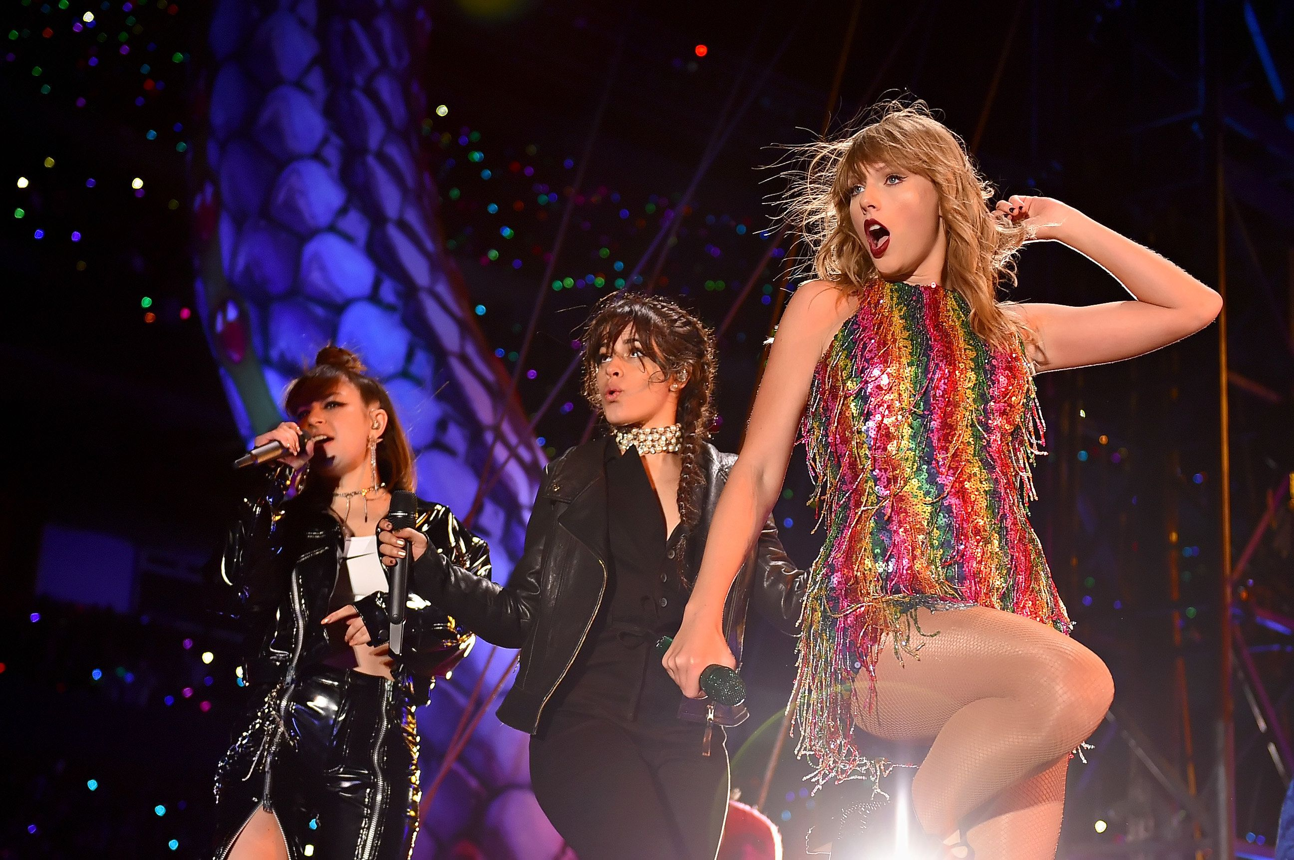 CHICAGO, IL - JUNE 01:  (L-R) Charli XCX, Camila Cabello, and Taylor Swift perform onstage during the 2018 reputation Stadium Tour at Soldier Field on June 1, 2018 in Chicago, Illinois.  (Photo by John Shearer/TAS18/Getty Images)