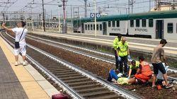 기차에 치여 쓰러진 사람 앞에서 셀카를 찍은