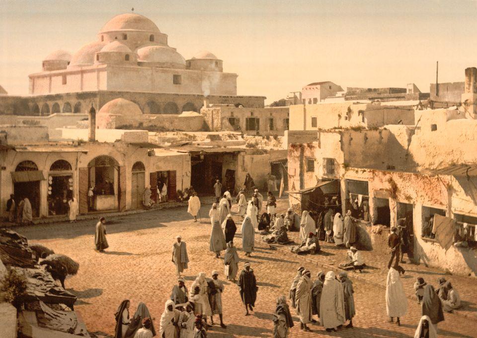Une photo du Souk Bab Souika, signifiant