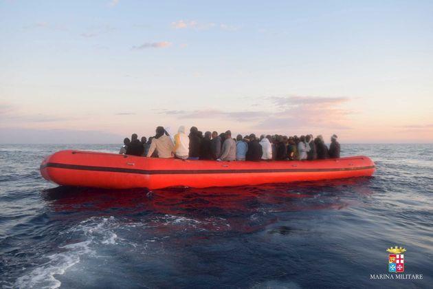 1910 migrants tunisiens sont arrivés en Italie entre janvier et avril 2018 selon