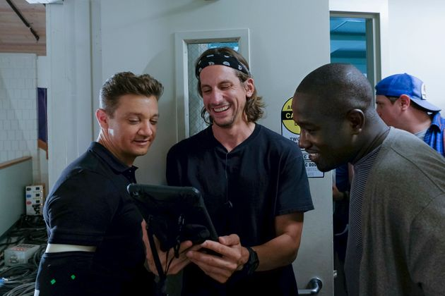 Give Us The Photos Of Jeremy Renner's CGI'd Arms On The Set Of