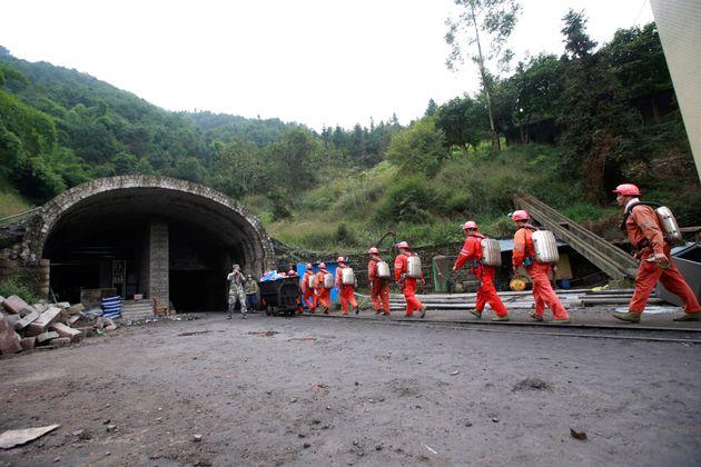 Σώοι 23 εργάτες μετά την έκρηξη σε μεταλλείο στην Κίνα που είχε στοιχίσει τη ζωή σε 11 συναδέλφους