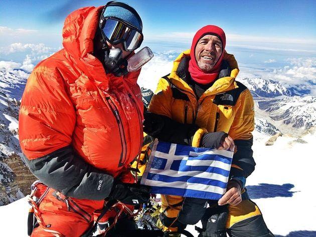 Οι δύο Ελληνες που κατέκτησαν τη δυσκολότερη κορυφή των