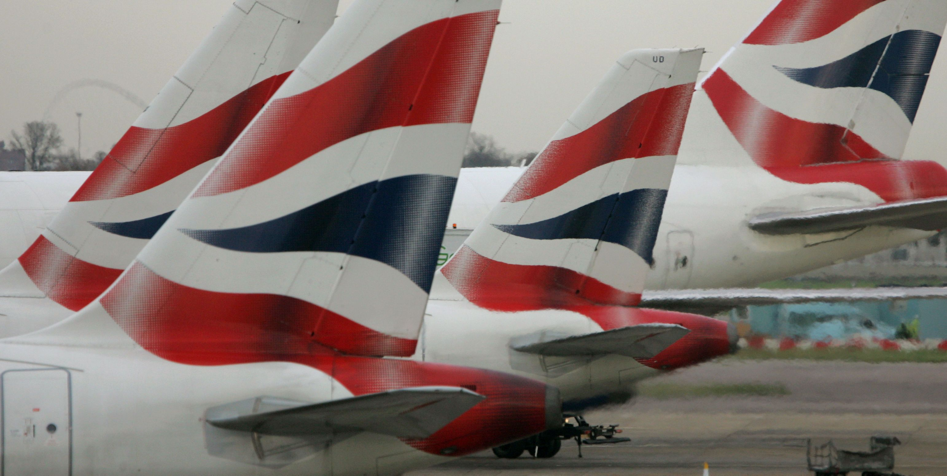British Airways pilot dragged off plane for being over alcohol limit