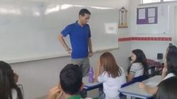 Lehrer schläft seit zwei Monaten in der Schule – seine Schüler wollen das nicht länger mitansehen