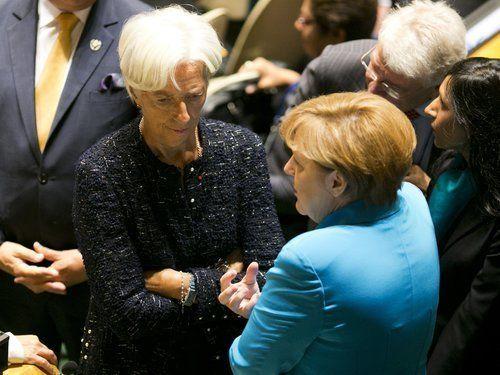 Στο Παρίσι η επόμενη πράξη για το ελληνικό χρέος και η προσπάθεια εύρεσης κοινής γραμμής μεταξύ ΔΝΤ και