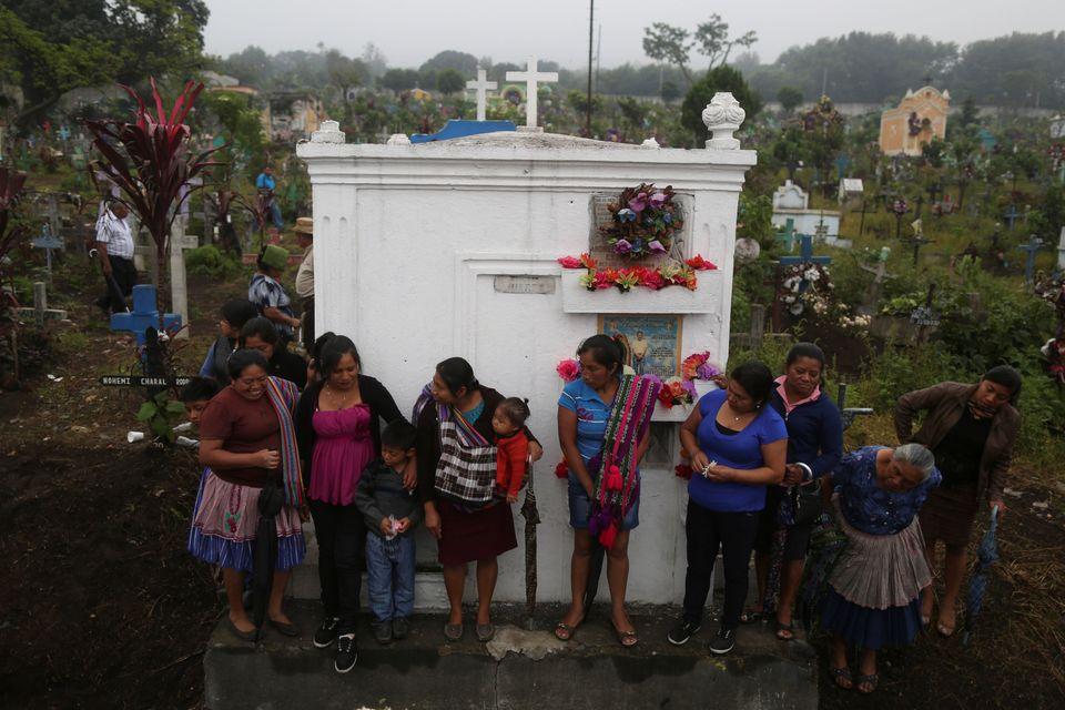 Τους 99 έφτασαν οι νεκροί από την έκρηξη του ηφαιστείου στη