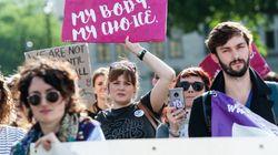 Σιγή από το Ανώτατο Δικαστήριο για τις αμβλώσεις στη βόρεια Ιρλανδία. Επικαλέστηκε διαδικαστικό κώλυμα για να μην εκδώσει από...