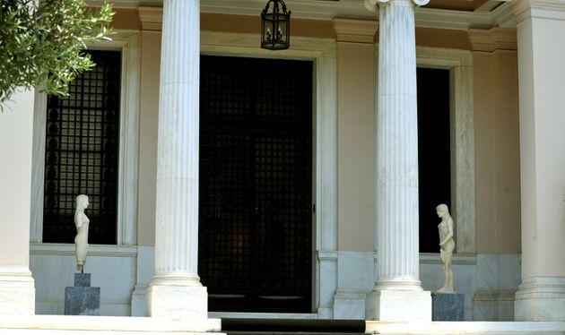 Πέντε δήμαρχοι νησιών του Αιγαίου ζητούν συνάντηση με τον Τσίπρα για τον