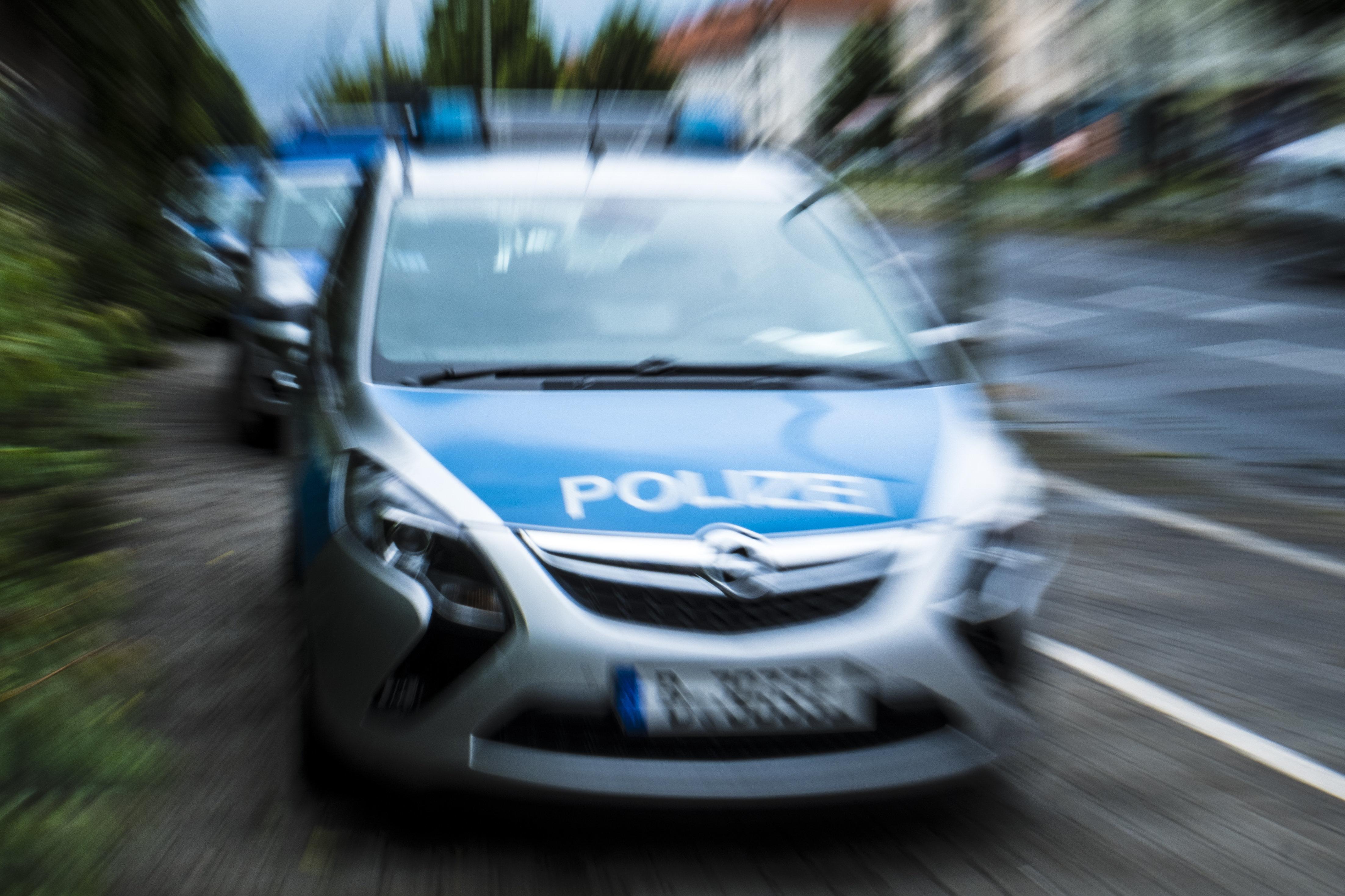 Berlin: Diebe flüchten mit einem Auto und überfahren dabei Frau – sie war offenbar