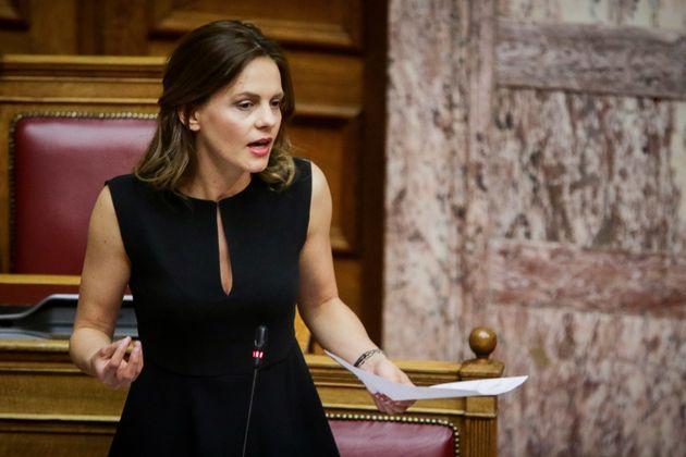 Έντονη αντιπαράθεση Αχτσιόγλου με όλα τα κόμματα της Βουλής για τα