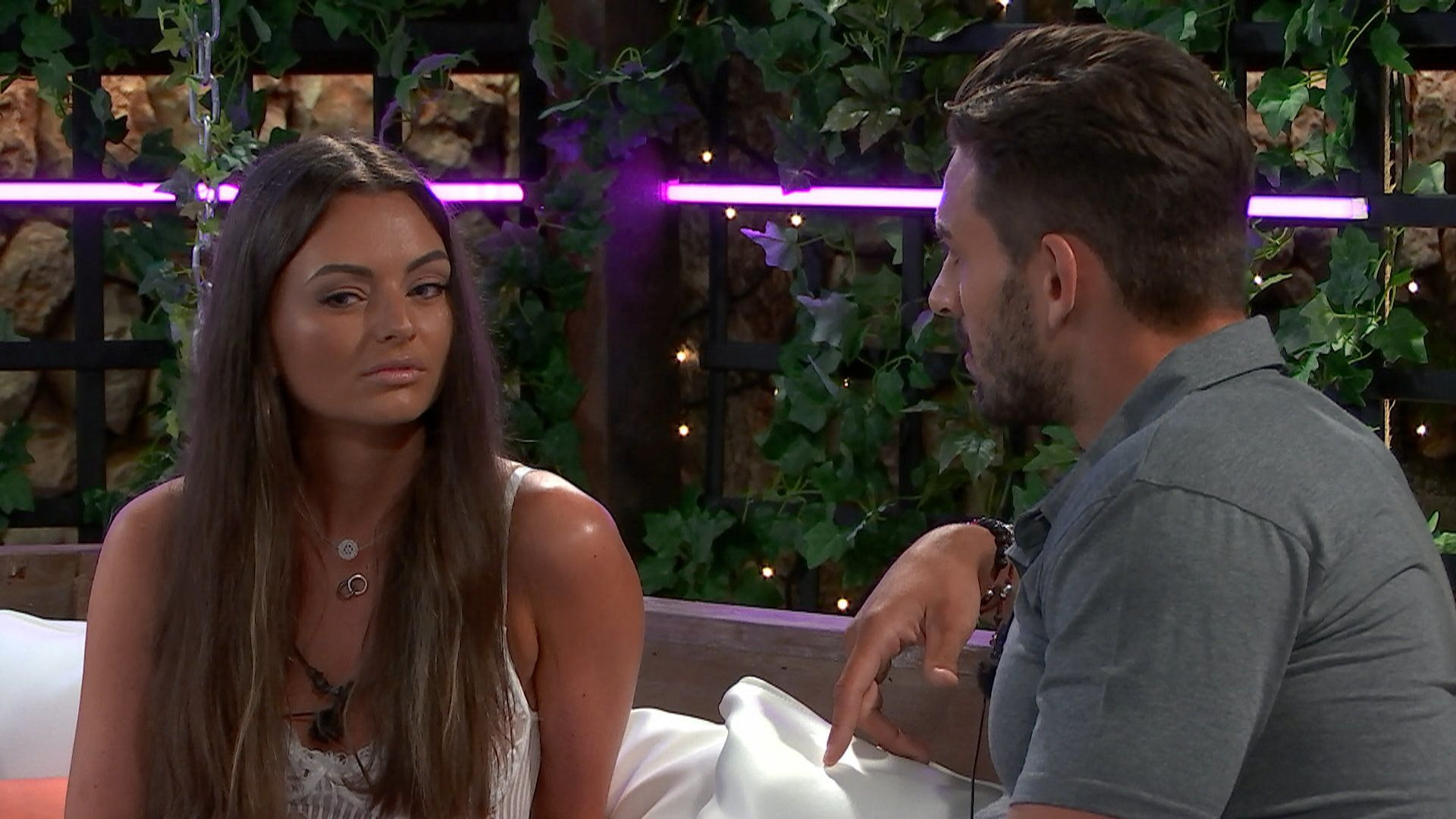 Kendall Is The First Dumped From 'Love Island' After Adam Does The