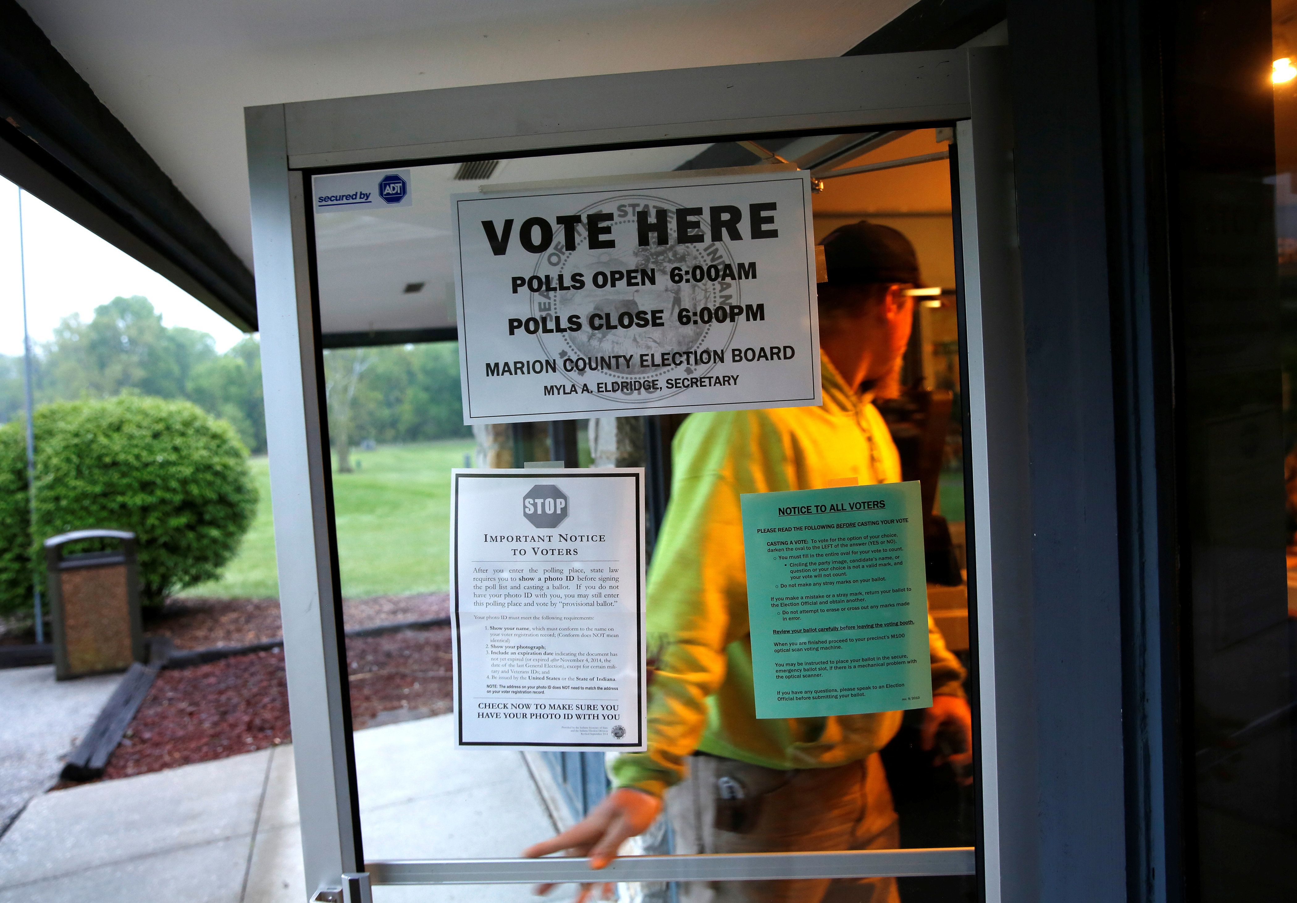 Indiana voters go to the polls in Indianapolis, Indiana May 3, 2016.    REUTERS/Chris Bergin